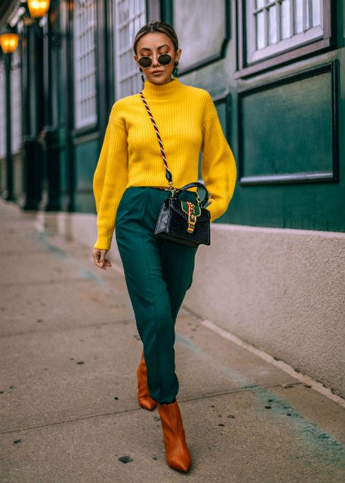 اللون الأخضر الغامق مع الأصفر