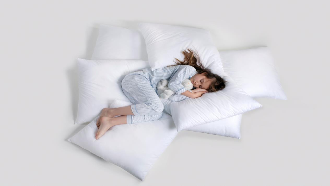 النوم في وضعية الجنين شخص يحتاج إلى الأمان
