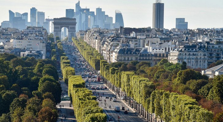 باريس تنوي تحويل شارع الشانزليزيه إلى حديقة-1