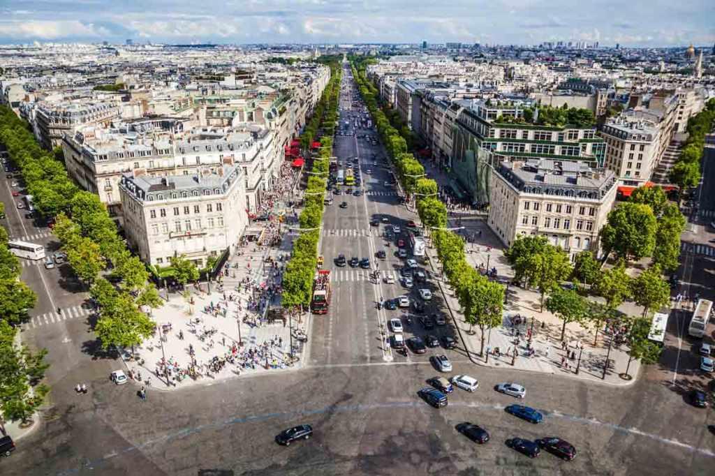 باريس تنوي تحويل شارع الشانزليزيه إلى حديقة-2