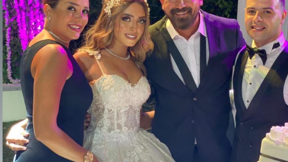 بدموع الفرح امير كرار  يحتفل بزواج شقيقته 3