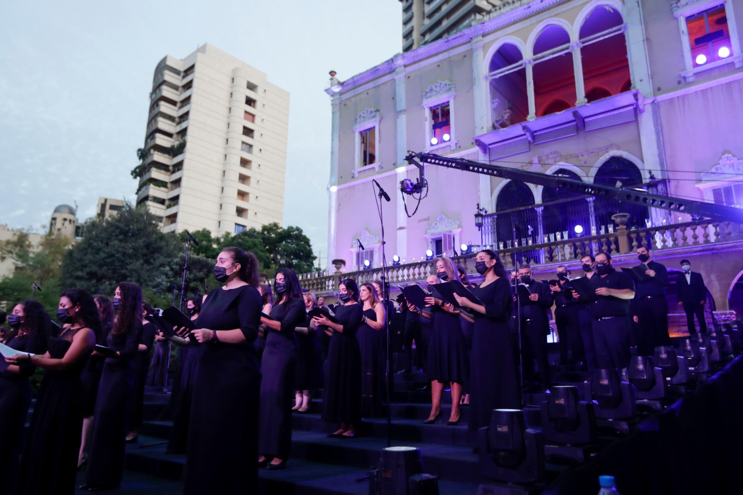 قصر دمره انفجار مرفأ بيروت يستضيف حفلة موسيقية تحية لأرواح ضحايا انفجار بيروت 1