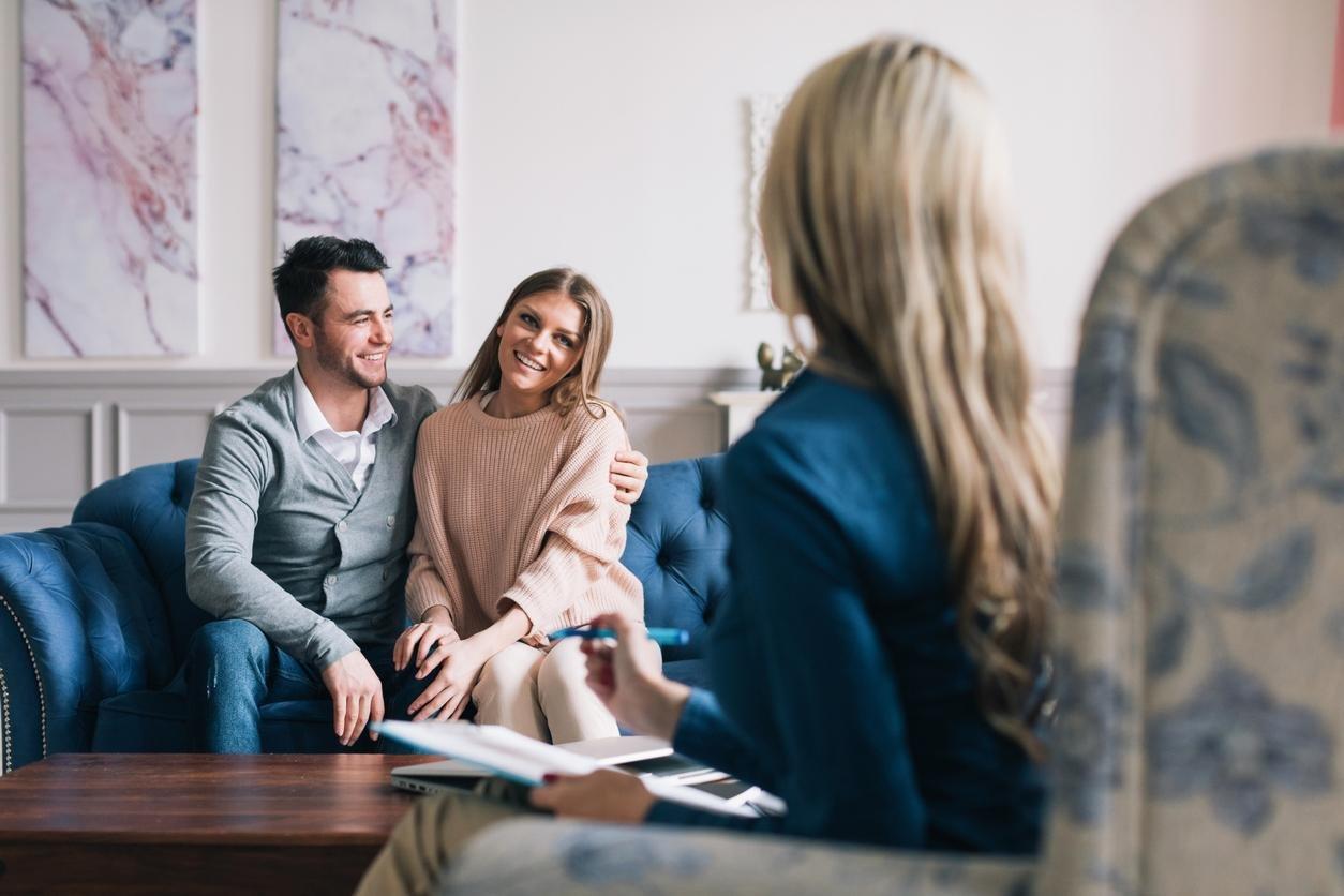 ما الوقت المُناسب للتوجه إلى خبير استشارات زوجية؟-1