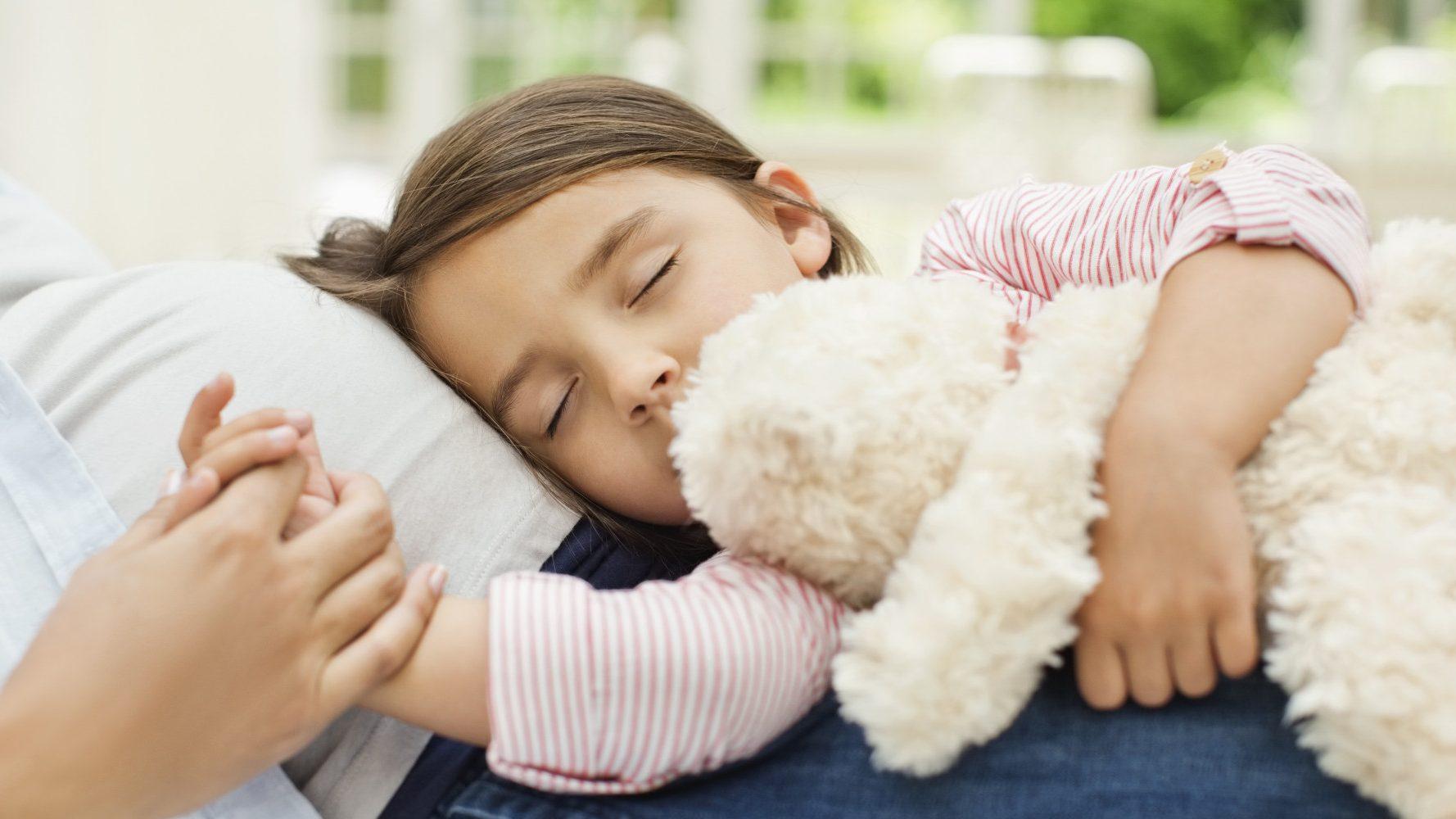نوم الاطفال بمفردهم