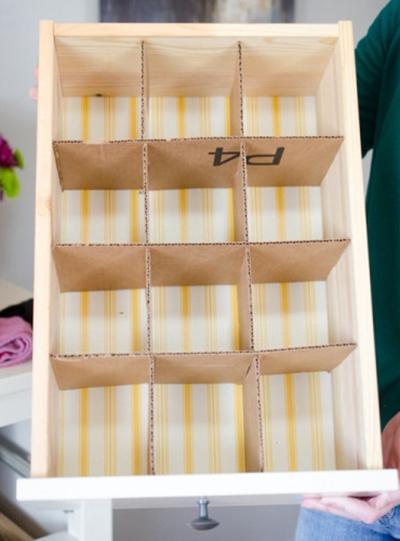 Reporposing-Old-Cardboard-Boxes-03-Drawer-Dividers-INNER