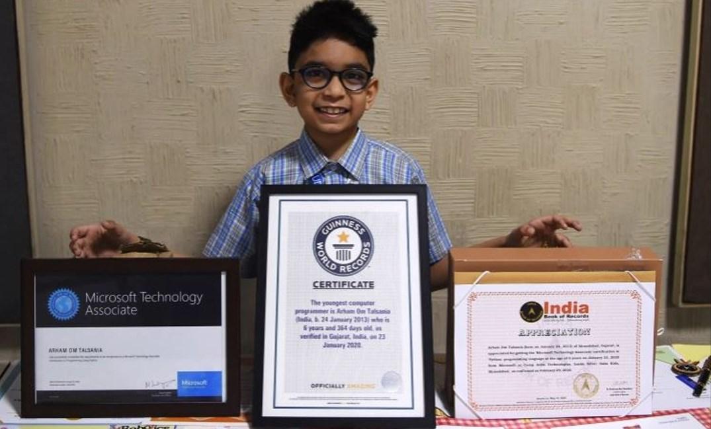 طفل هندي يدخل موسوعة غينيس بفضل هدية والده